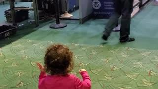 TSA Worker Becomes Toddler's New Best Friend
