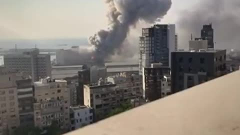 TNT Explosion Shock wave Shatters Glasses in Beirut Lebanon. Shocking Video