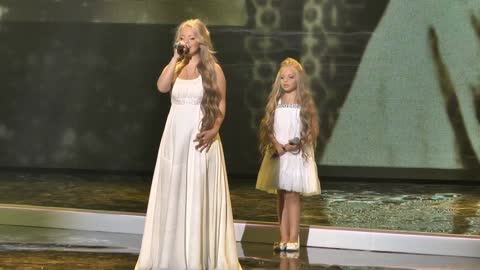Millions Have Watched These Sisters' Emotionally Moving Cover of Mariah Carey Hit