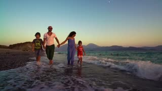 HAPPY FAMILY HAPPY RELATIONSHIP 😊😊😊