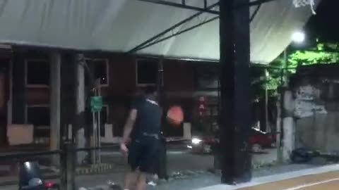 OBiFLY - Easy self pass off the backboard basketball dunk