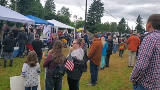 Hundreds of parents party in front of school board in protest