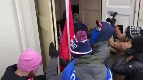 Capitol Police Open Building Doors to Protestors