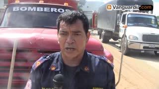 Video registró motociclista atrapado tras caerle un árbol por lluvias en Bucaramanga