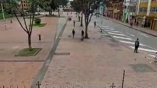Video: Fuerte enfrentamiento generó pánico en pleno Centro de Bogotá